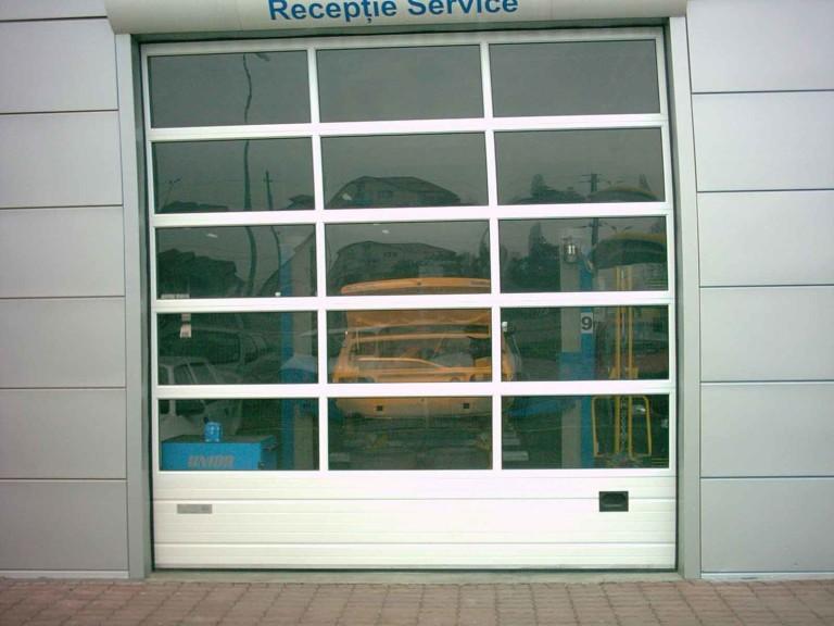 Usi-industriale-cu-panouri-vitrate
