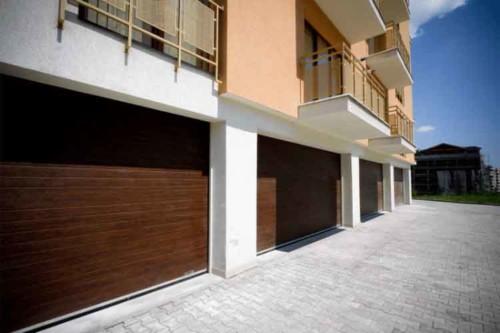 Usa-de-garaj-sectionala-zona-rezidentiala-in-Cluj-doorTECK®